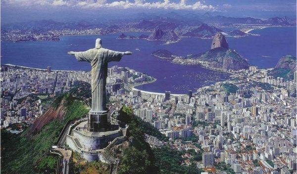 Patung Kristus Penebus di Rio de Janeiro, Brasil (Foto: traveling-piontblogspot)