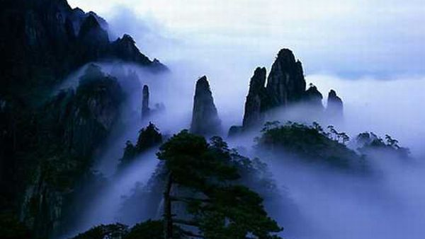 Gunung Sanqing, China (Foto: listverse)