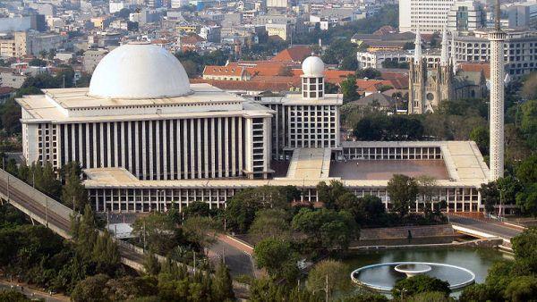 Masjid Istiqlal, Jakarta (Foto: Wikipedia)