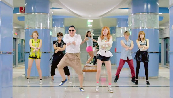 Psy di Incheon Subway (Foto: jaunted)