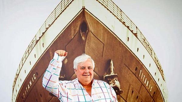 Clive Palmer dengan desain Titanic II (Foto: smh)
