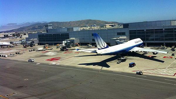 Bandara San Francisco (Foto: dailytelegraph)
