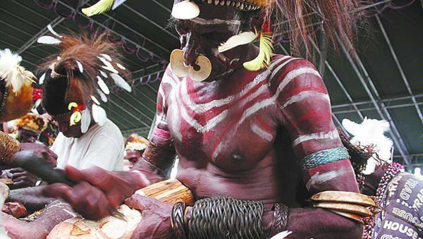 Lukisan Tubuh Suku Asmat (Foto: KpPapua)
