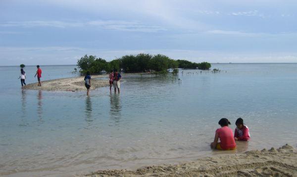 Pantai Perawan di Pulau Pari, Kepulauan Seribu (Foto: Dewi/Okezone)