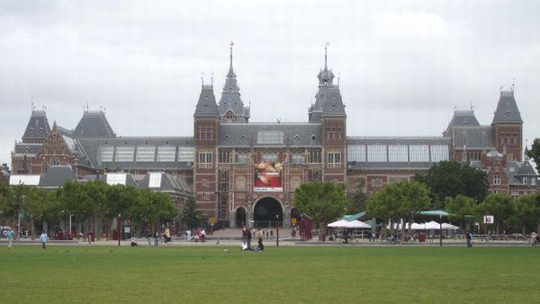 Rijksmuseum Amsterdam, Belanda (Foto: wikipedia)