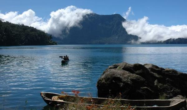 Danau Gunung Tujuh (Foto: wisatanesia)