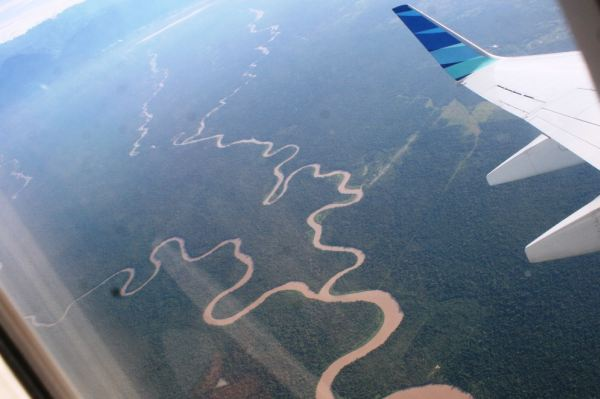 Sungai-sungai raksasa yang terlihat dari jendela pesawat (Foto: Arpan/Okezone)