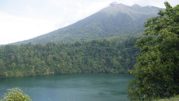 Danau Tolire, Ternate (Foto: Mutya/Okezone)
