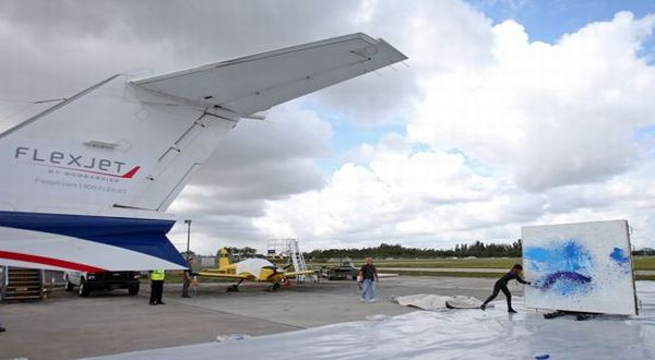 Lukisan dengan jet (Foto: Flexjet)