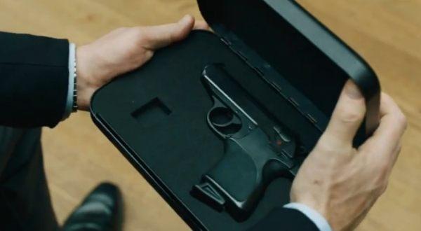 Foto : Pistol Walther PPK milik James Bond (jamesbond.wikia)