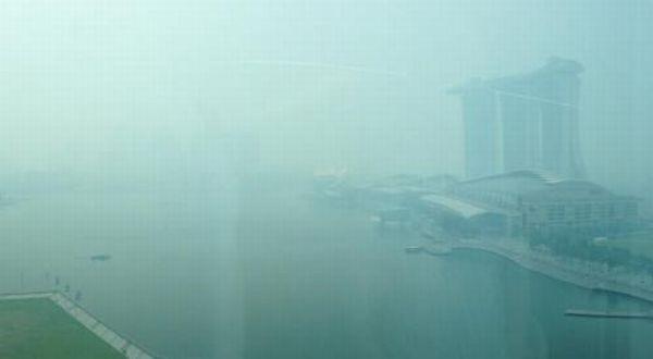 Asap yang memenuhi Singapura (Foto: The Straits Times)