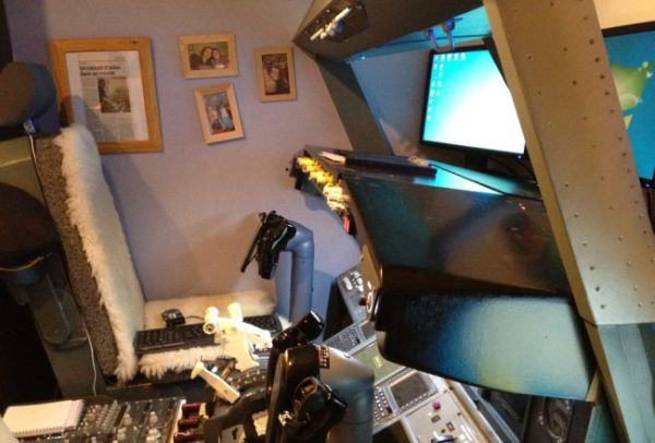 Kokpit di dalam kamar. (Foto: dok pribadi/Facebook)