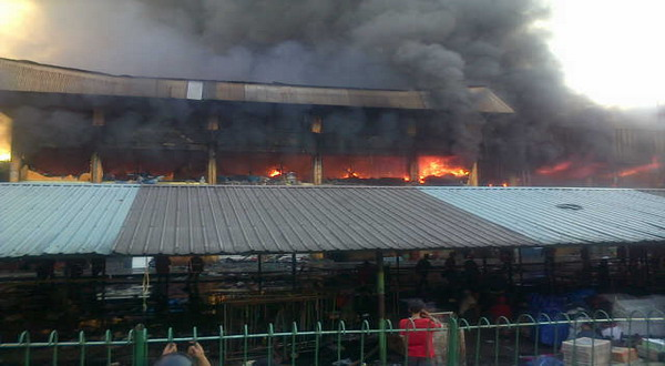 Kebakaran di Pasar Senen (foto: Fardi)