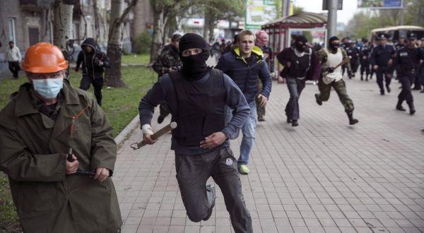 Kerusuhan yang melanda Ukraina (Foto: Reuters)