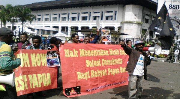 Unjuk rasa AMP di Gedung Sate (Foto: Oris/Okezone)