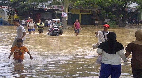Hujan Sepanjang Malam, Ciledug Terendam Banjir