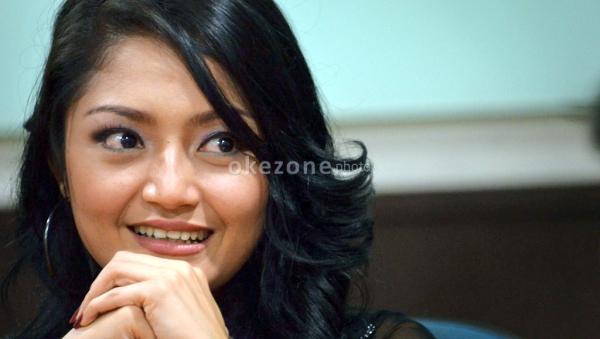 Siti Badriah Ogah Buru-Buru Nikah (Foto: Okezone)