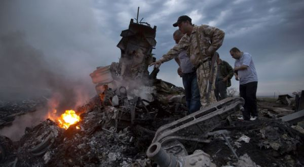 Pesawat MH17 yang jatuh di Ukraina (Foto: AP)