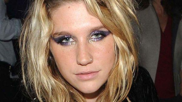 Pernah direhab, Kesha sempat paranoid (Foto: Celebzster)