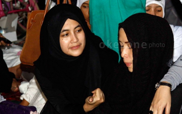 Umi Pipik Lepas Jilbab hingga Pinjam Uang di Hijrah Cinta (Foto: Okezone)