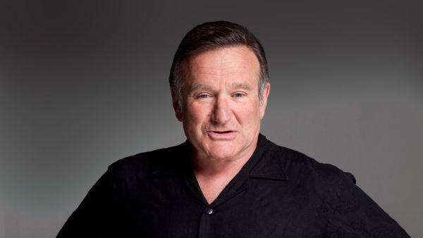 Dikremasi, Keluarga Tabur Abu Robin Williams ke Laut