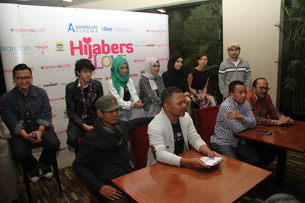Hijabers In Love, Fenomena Hijab di Indonesia