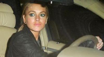 Lindsay Lohan Akhirnya Ngaku Bersalah Tabrak Truk