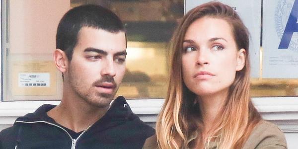 Jonas Diisukan Terlibat Cinta Segitiga dengan Model