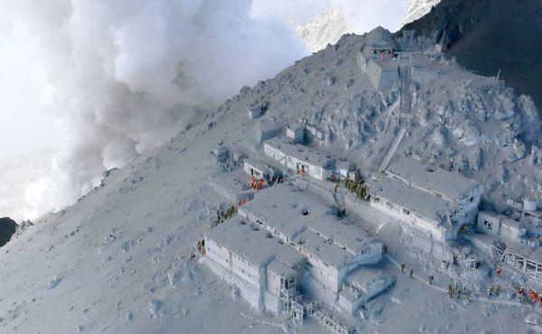 Korban Jiwa Letusan Gunung Ontake Terus Bertambah (Foto:Reuters)