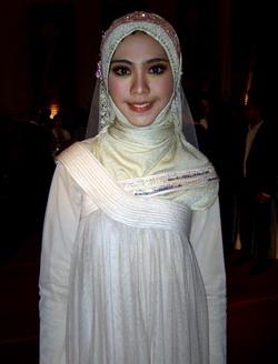 Gamis Busana Favorit Oki Setiana Dewi Okezone Livestyle