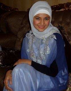 model jilbab artis marshanda