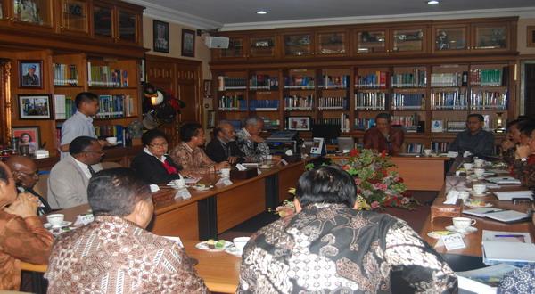 Suasana Pertemuan di Perpustakaan SBY di Cikeas. (Frederika Korain/PGI)