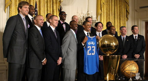 Para pemain Dallas Mavericks bersama Presiden AS, Barack Obama. (Getty Images)