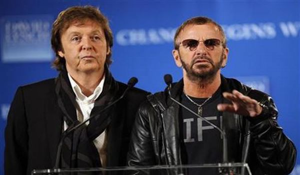 Paul McCartney dan Ringo Starr (Foto: Reuters)
