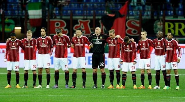 Skuad AC Milan saat menghadapi Napoli di Serie A (Foto: Getty Images)