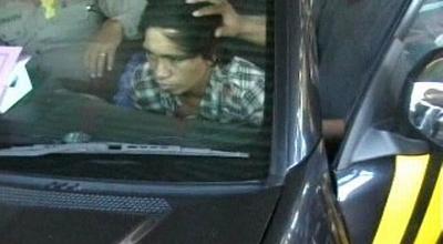 Pelaku pemerkosaan di Pasuruan dibawa polisi (Dok: Sindo TV/Jaka Samudra)