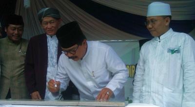 Pak De Karwo resmikan Ponpes Mukmin Agrobisnis (Foto: Koran SI/Abdul Rouf)