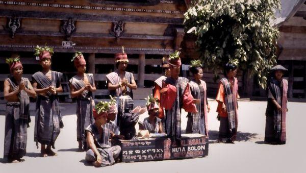 Tari Tor-tor asal Sumatera Utara hendak diklaim Malaysia? (Foto: rumahbacaonline)