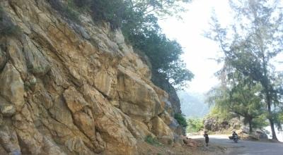 Salah satu titik rawan longsor di Aceh (Foto: Tim peneliti Aceh)