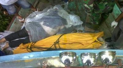 Korban tewas kecelakaan L-300 di Simalungun (Foto: Daud)
