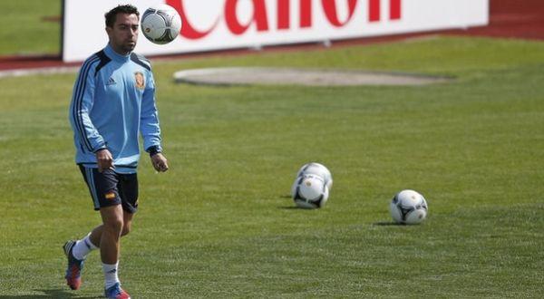 Xavi Hernandez berlatih bersama Spanyol. (Foto: Reuters)