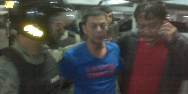 Pelaku penusukan pengunjung diskotek (foto: Wahyudi/okezone)