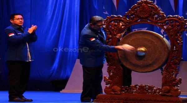 Anas Urbaningrum dan Susilo Bambang Yudhoyono