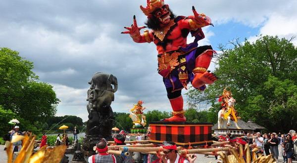 Festival Budaya Bali di Taman Pairi Daiza, Belgia (Foto: kemlu)