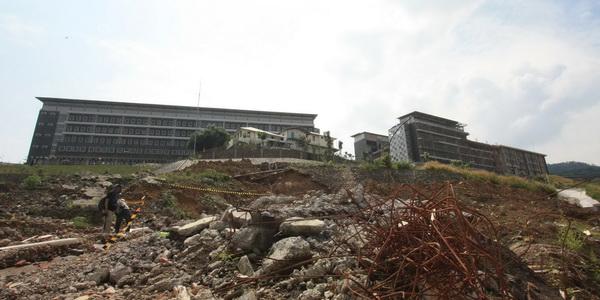 Proyek Sport Center Hambalang (Foto: Heru H/okezone)
