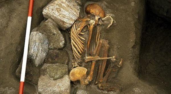 Mumi yang ditemukan (Foto: Mike Parker Pearson/University of Sheffield)