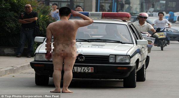 Foto : Pria bugil di China (Rex Feat)