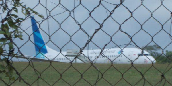 Pesawat Garuda yang tergelincir di Pekanbaru (Foto: Banda H/okezone)