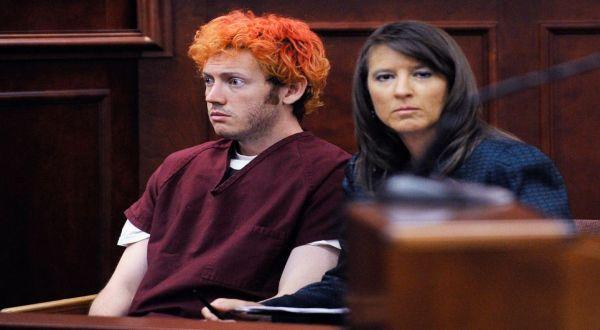 Foto : James Holmes di pengadilan (Daily Mail)