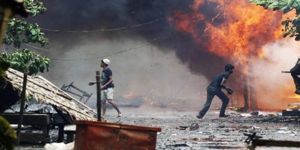 Rusuh di Rakhine akibat perseteruan etnis Rohingnya-Rakhine (Foto: Reuters)